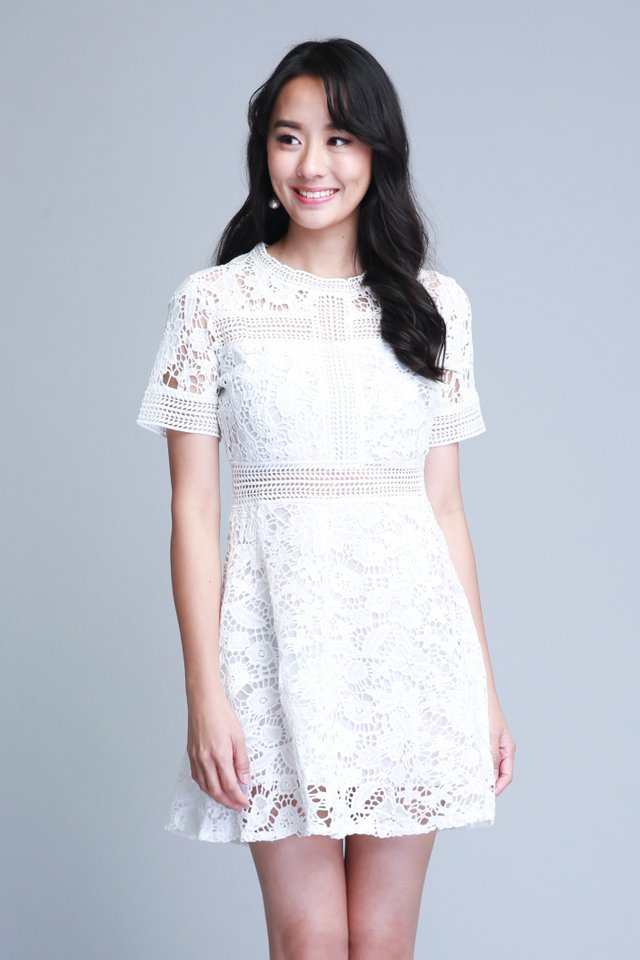 Madilyn Lace Dress In White (Size M - Last piece!)
